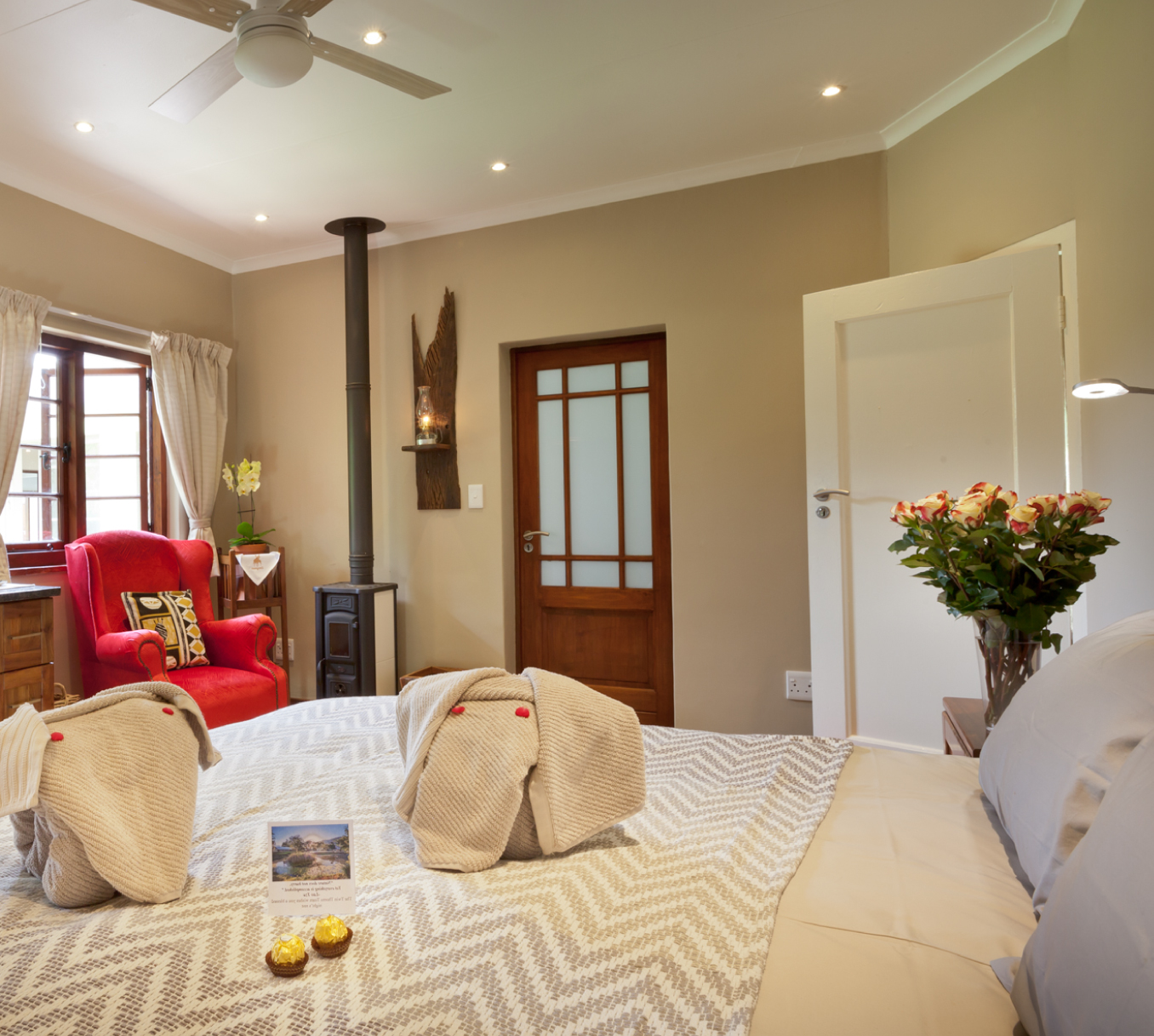 Twin-Thorns-finch-room-2